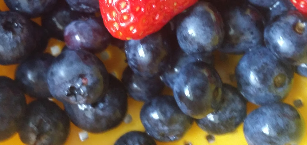 blueberries and red